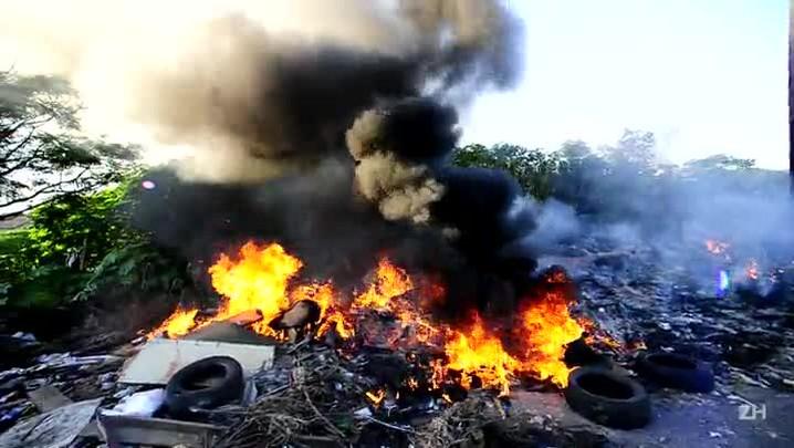 Queima de lixo causa incêndio em Canoas