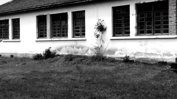 Prédios abandonados em General Câmara