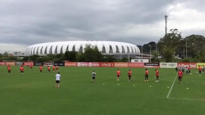 Inter faz treino físico no CT Parque Gigante