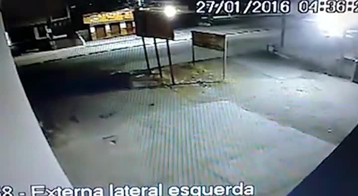 Idoso morre atropelado em ponto de ônibus em São José