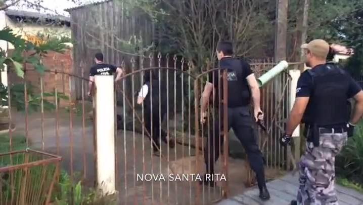 Veja imagens da operação policial que prendeu traficantes que atuavam na proximidades de escolas