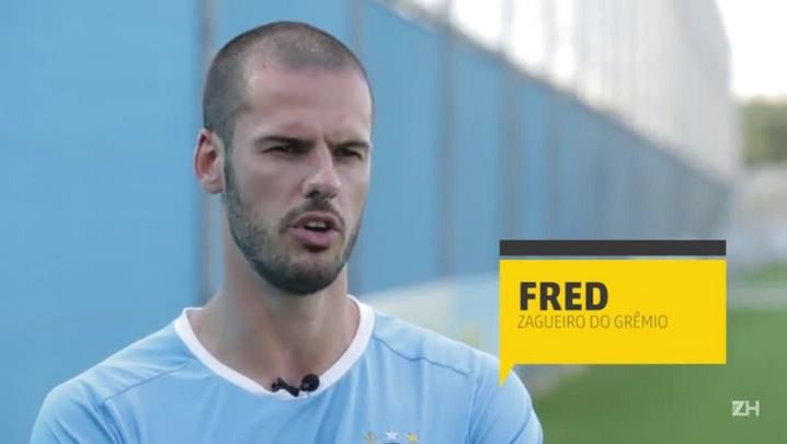 Bate-bola com Fred, zagueiro do Grêmio