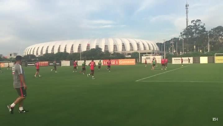 Com retorno de Fabinho, Inter treina em campo reduzido