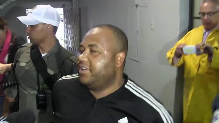 Homem afirma ter matado jovem em aeroporto