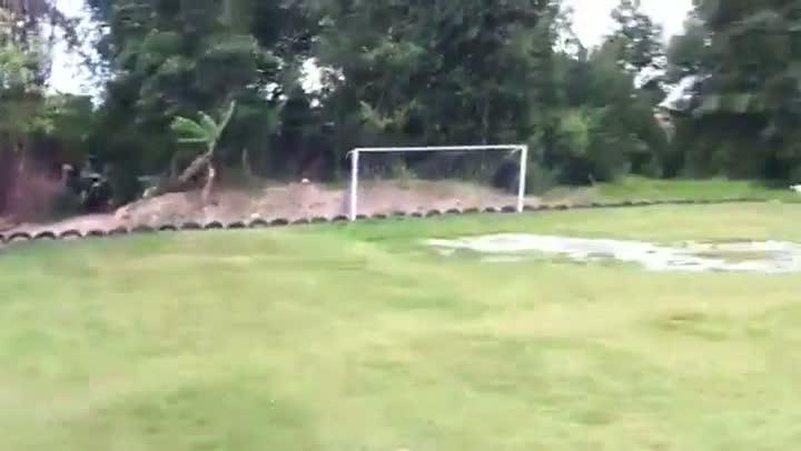 Entulhos na partida entre Guarani 1 x 2 Figueirense