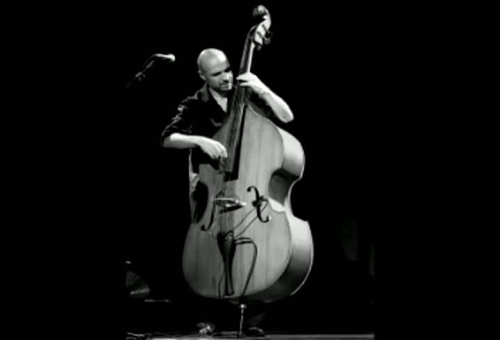 Jazz contemporâneo e música instrumental misturados no Theatro São Pedro