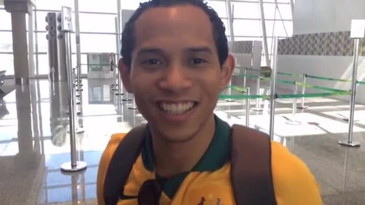 Chilenos e australianos confraternizam em Brasília. 11/06/2014