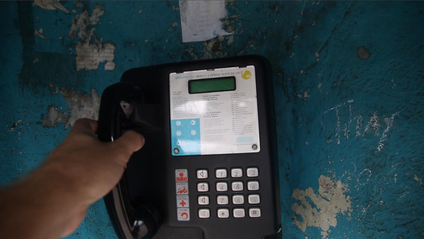 Faça ligações gratuitas para telefones fixos de Florianópolis com orelhões da Oi