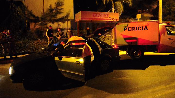 Dois corpos são encontrados em um Escort em Caxias do Sul
