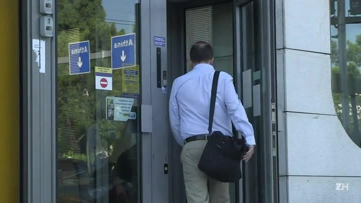 Bancos gregos reabrem após três semanas