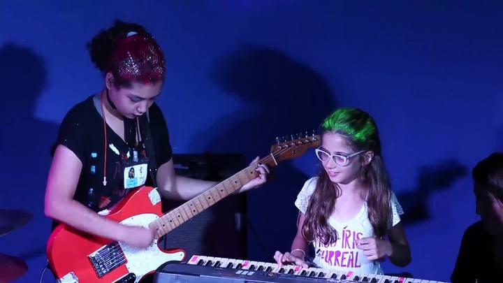 Ocidente recebeu show das bandas do Girls Rock Camp Porto Alegre