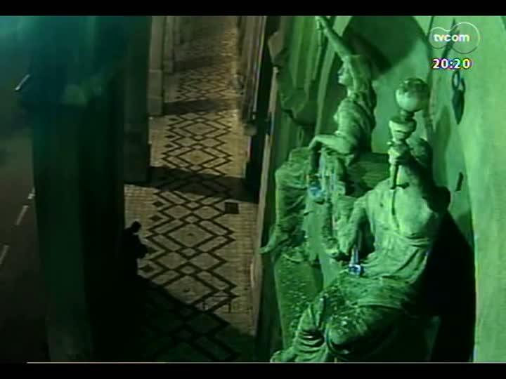 TVCOM 20 Horas - 16/01/2013 - Bloco 3 - Estagiário detido por pichação no viaduto Otávio Rocha