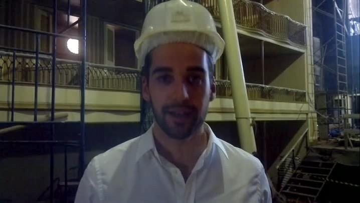Eduardo Leite explica como está obra no Theatro Sete de Abril em Pelotas