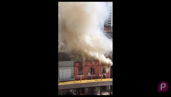 Incêndio atinge pensão no centro de Caxias do Sul