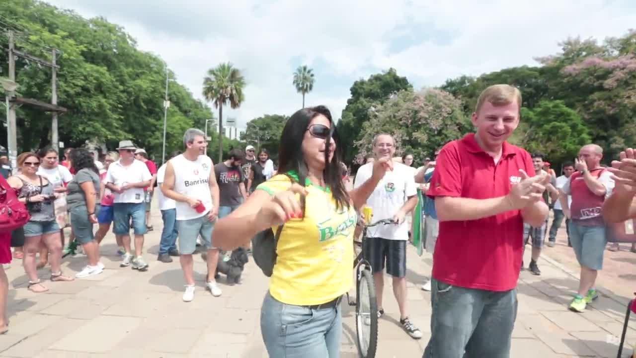Manifestante defende atos contra o governo