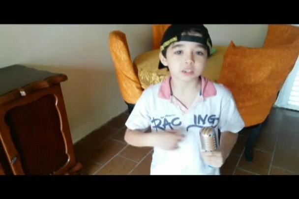 MC mirim cria funk da educação em Jaraguá do Sul