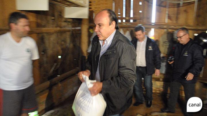 Leite Compen$ado: MP apreende caminhões, sacos de bicarbonato de sódio e sal