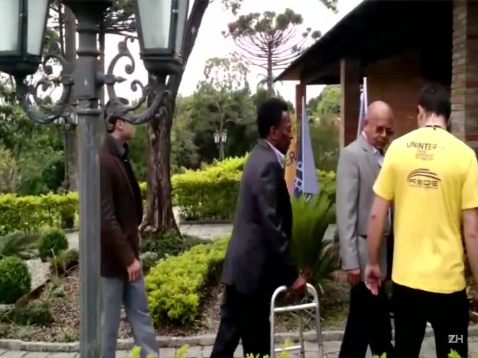 Pelé fala sobre a sua saúde, cirurgias e a recente lesão no joelho esquerdo