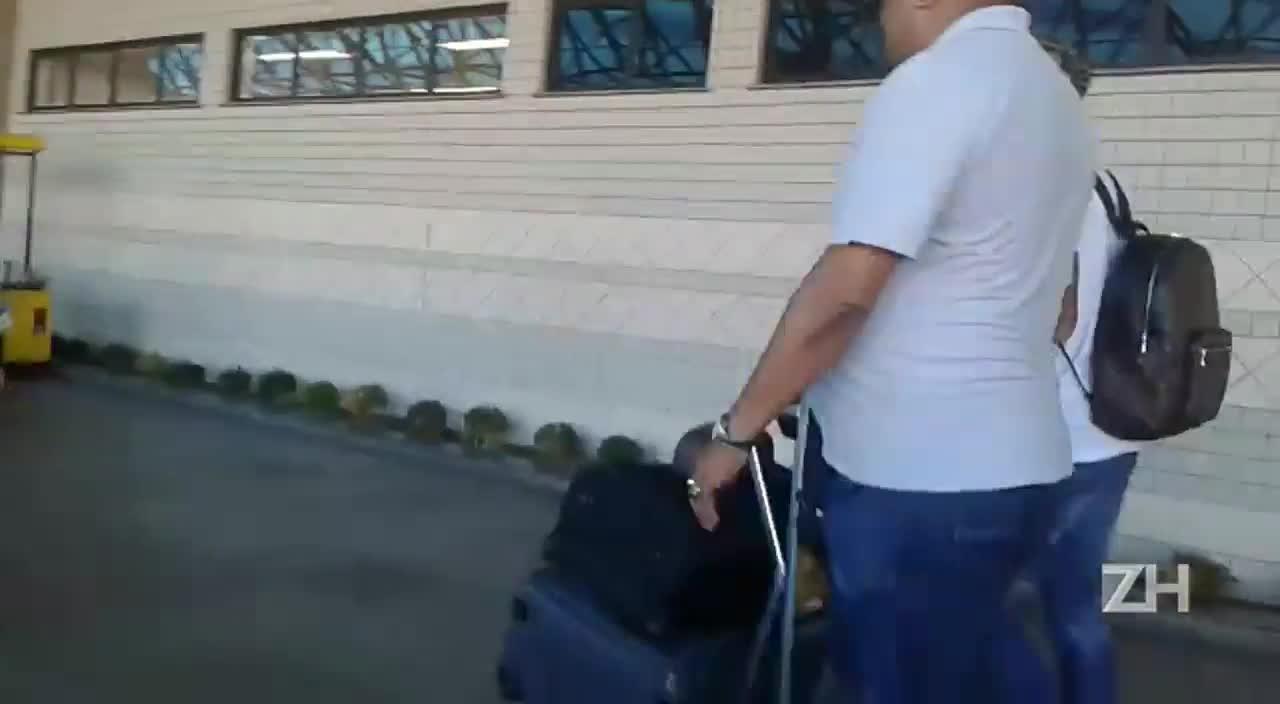 Beto da Silva chega a Porto Alegre