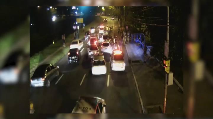 Câmera de segurança flagrou final da ocorrência na Avenida Ipiranga
