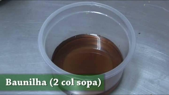 Aprenda a fazer um ovo de páscoa recheado com caramelo