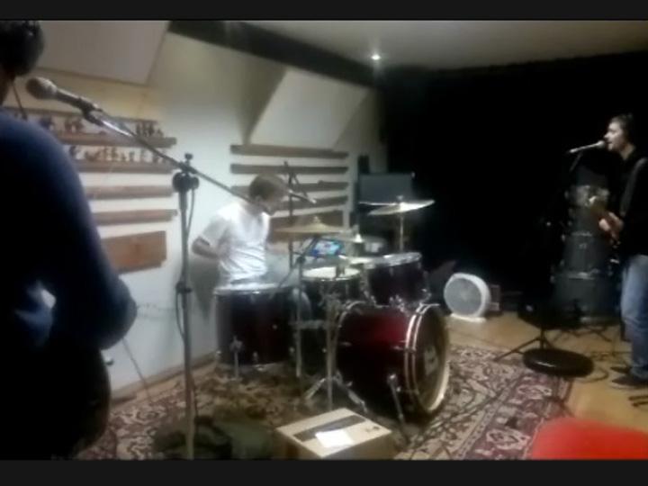Ensaio da música Eita Velho Sentimento, da banda caxiense Bob Shut