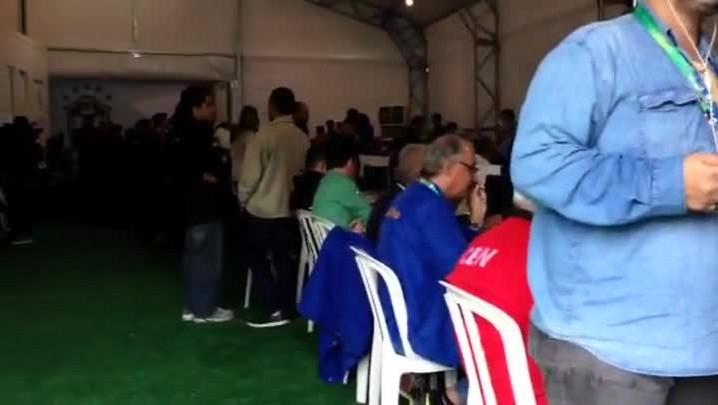 Repórter da Rádio Gaúcha registra primeira movimentação na Granja Comary