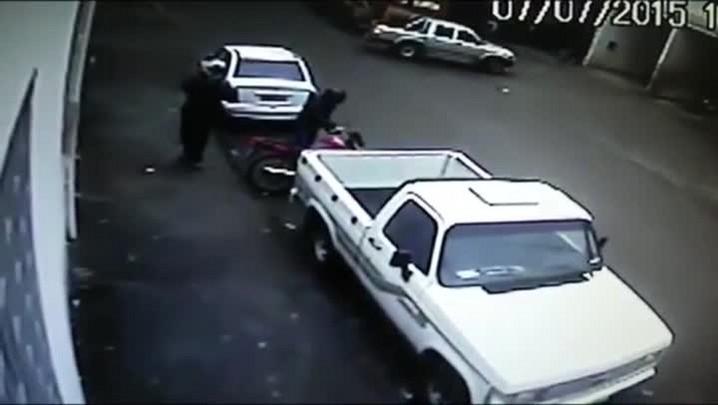 Imagens mostram assalto a casa lotérica de Santa Maria; assista