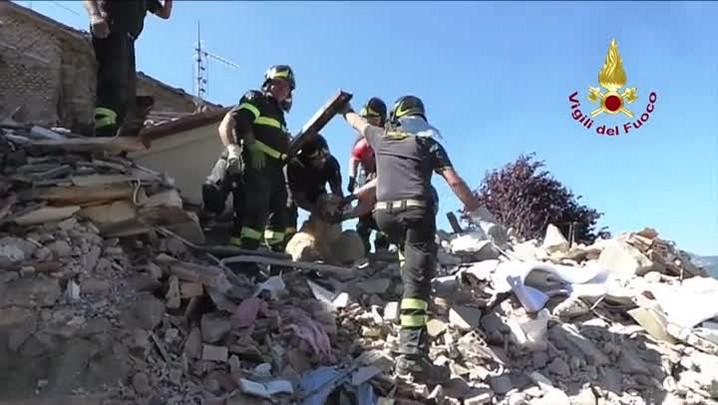 Milagre sob escombros do terremoto na Itália