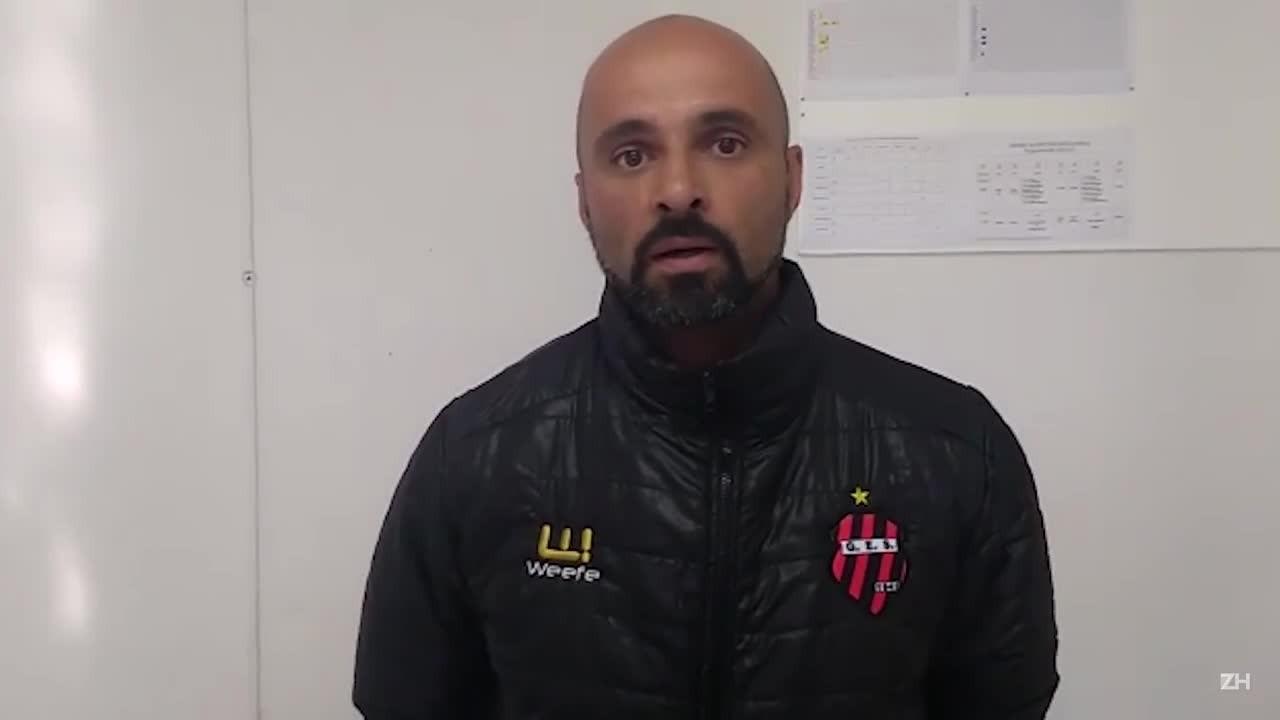 Técnico e diretor de futebol do Sapucaiense falam sobre relação com jogador preso