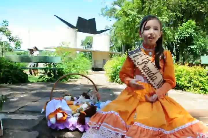 Sofia fala sobre Concurso Regional de Brinquedos em Passo Fundo