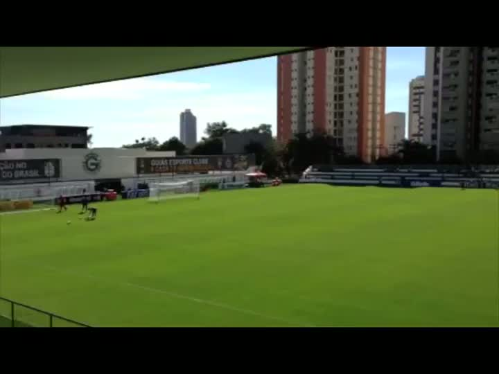 Na despedida de Goiânia, Seleção abre treino para os torcedores. 12/06/2013