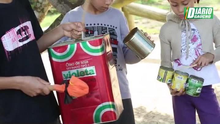 Escola de Itapuã cria banda com latas