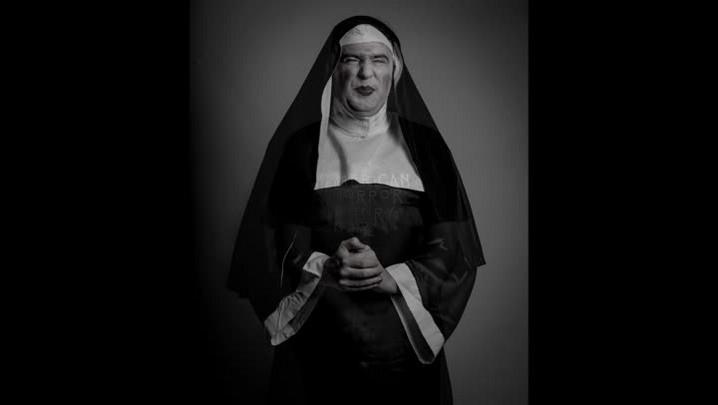 Bons tempos do Teatro de Quinta – relembre a personagem Irmã Frida, de Malcon Bauer
