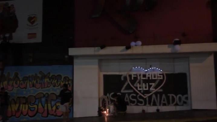 Noite de homenagens aos 2 anos da tragédia na boate Kiss
