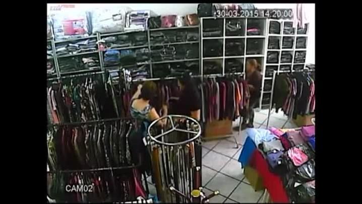 Furto em loja de roupas em São Pedro do Sul