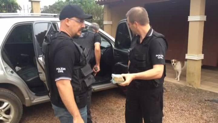 Veja imagens da a��o da pol�cia que prendeu ladr�es que roubavam carros de luxo em Canoas
