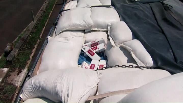 Fumaça do crime: reportagem sobre contrabando de cigarros em Santa Catarina