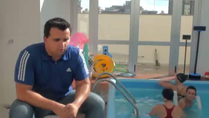 Técnicas da fisioterapia aquática unem bem-estar físico e psicológico
