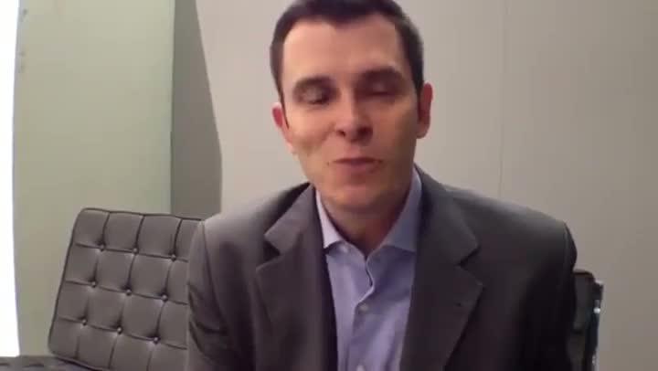 Gustavo Cerbasi dá dicas de finanças para os jovens