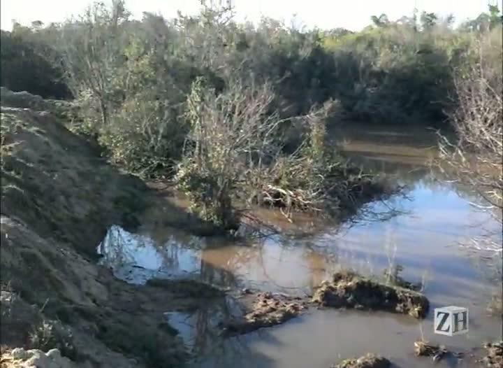 Área de preservação ambiental é usada para extração de areia