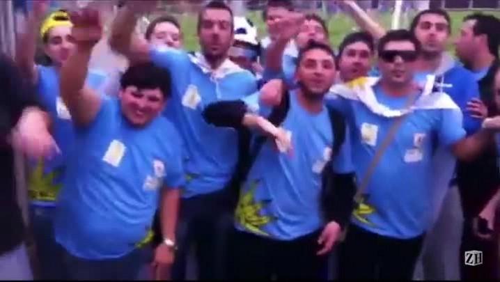 Torcedores uruguaios no Olímpico