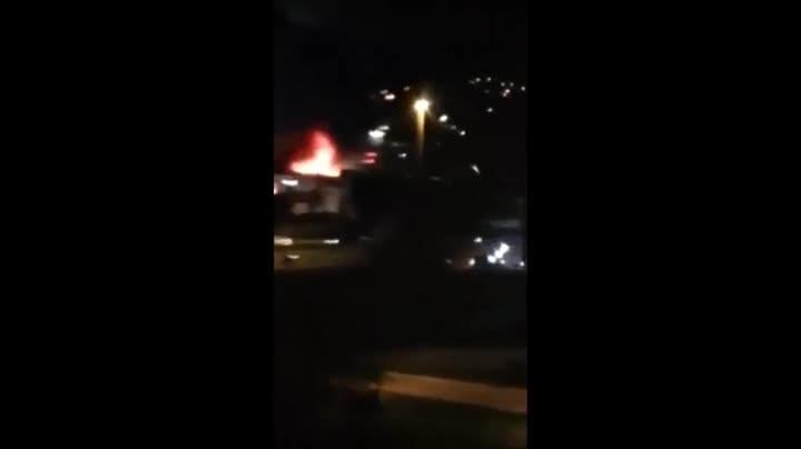Fogo em estofaria no Bairro Campinas, São José