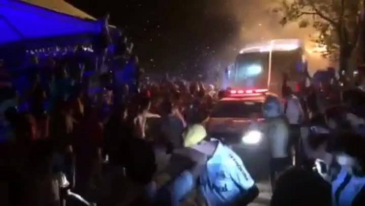 Veja a festa da torcida na chegada da delegação do Grêmio à Serra gaúcha