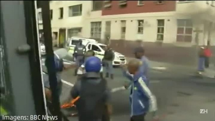 Exército tenta deter violência na África do Sul