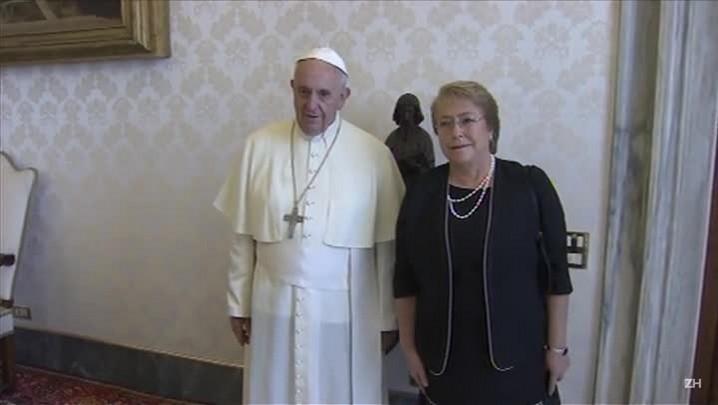 Bachelet se encontra com papa Francisco