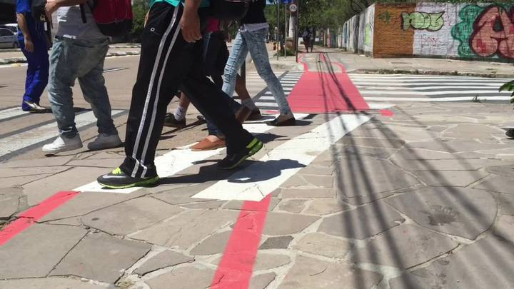 Ciclovia na calçada gera polêmica