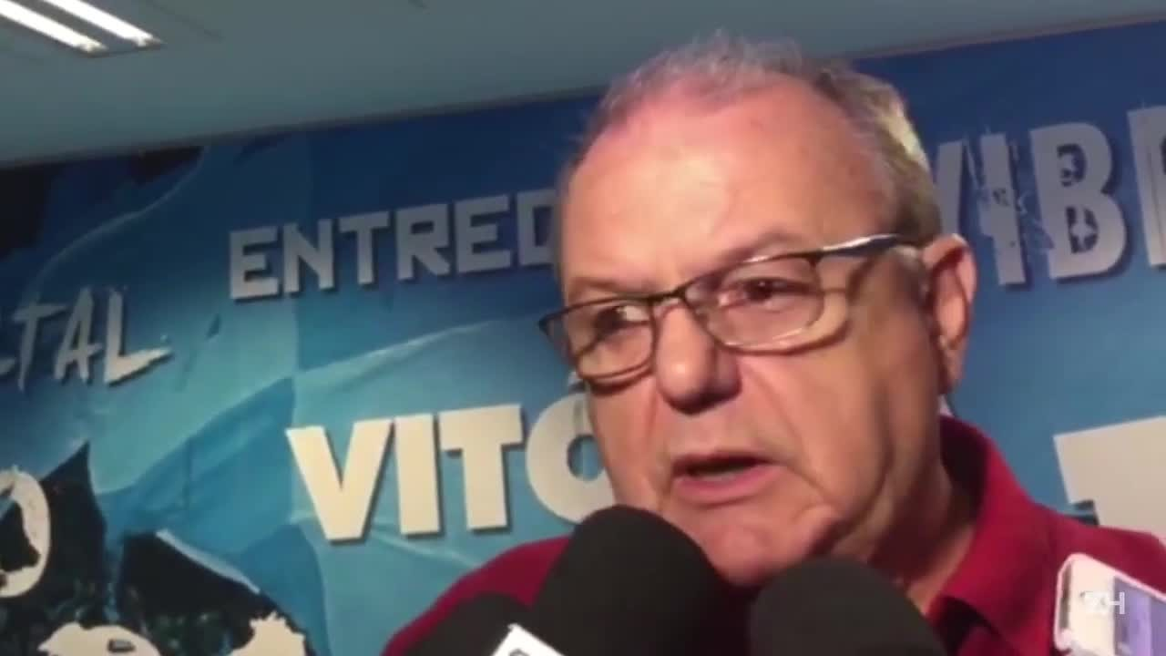 Para Vitorio Piffero, Bolaños tentou cavar um pênalti em lance com William