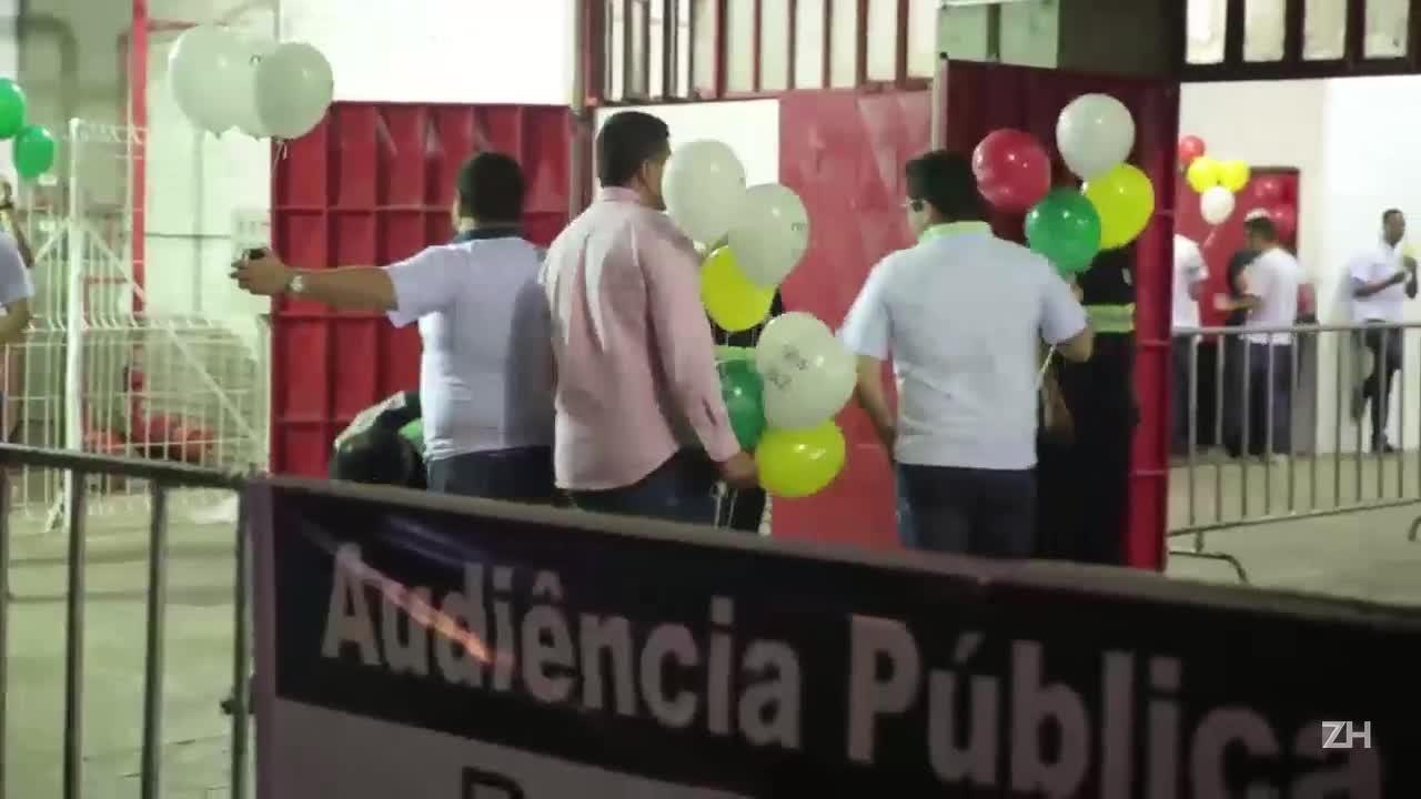 Audiência pública debate regulamentação de Uber em Porto Alegre