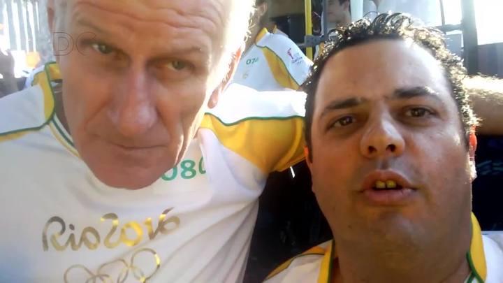 Roy Harley, sobrevivente da Tragédia dos Andes, fala da sensação de conduzir a tocha olímpica em Florianópolis